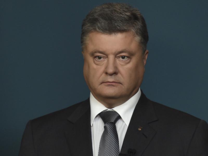 Порошенко: Наши миротворцы участвовали в операциях ООН по всему миру. Сегодня голубые каски нужны Украине