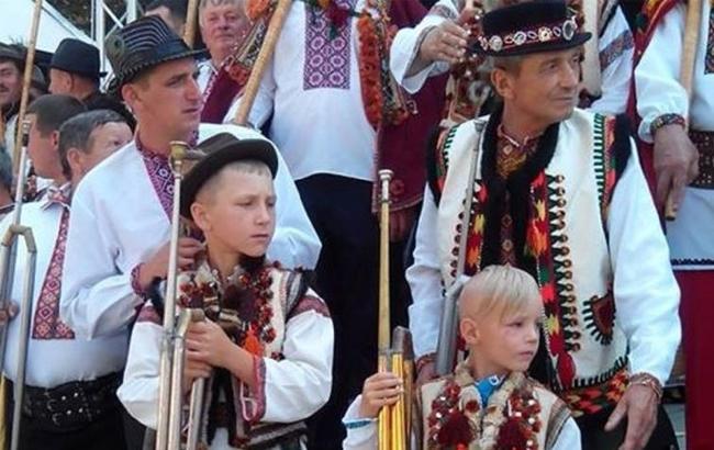 "Самый громкий рекорд Украины ""выдули"" гуцулы"