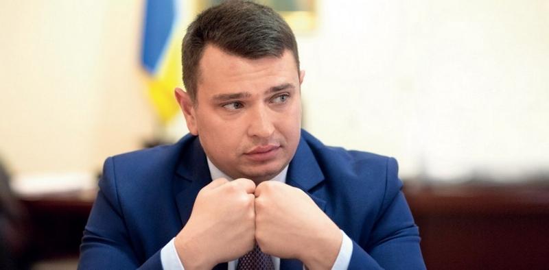 Деньги «в конвертах»: Сытник говорит, что в НАБУ – более десяти таких заявлений по депутатам 33