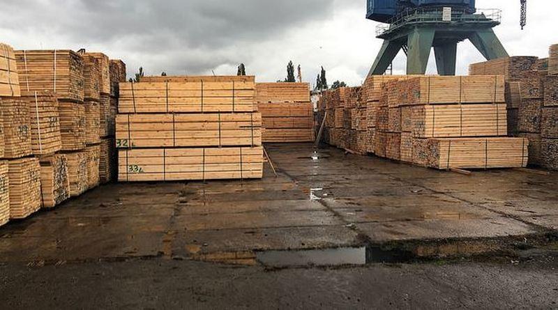 СБУ перекрыла нелегальный экспорт древесины через Херсонский речной порт
