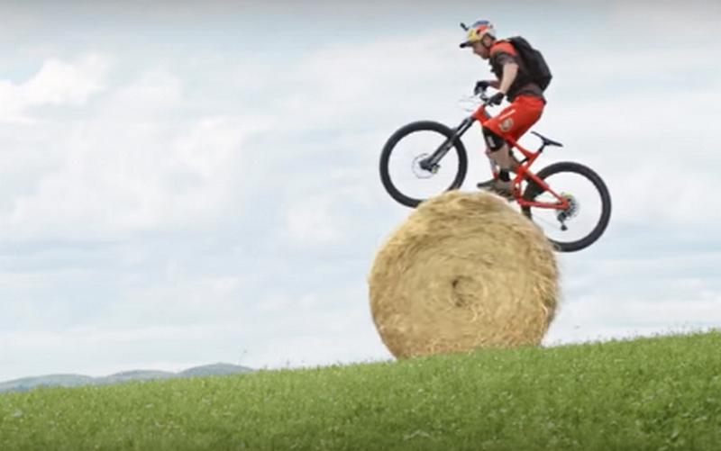 Никаких законов физики. Потрясающие трюки на горном велосипеде