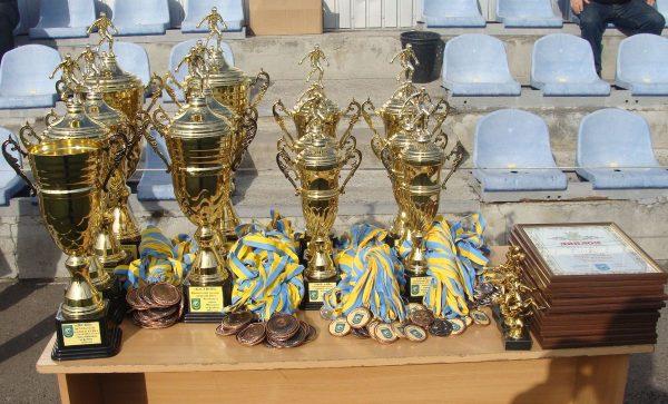 Чемпионат Николаева по футболу 2016 года: победители названы, награды вручены