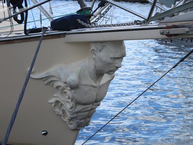 Гальюнная фигура. Россиянин украсил носовую часть яхты бюстом Путина