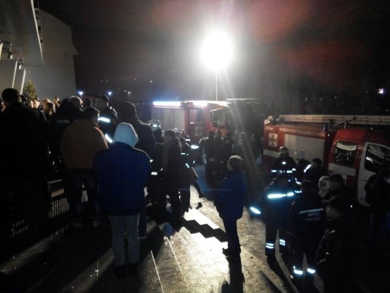 Во Львове горел ночной клуб «МI100» – госпитализировано 14 человек, двое в тяжелом состоянии