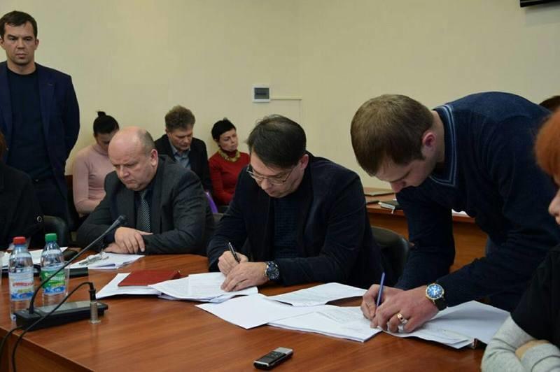 И.о. директора «Николаевоблтеплоэнерго» объявили о подозрении в хищении бюджетных средств прямо на заседании комиссии облсовета