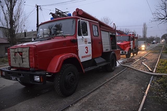Короткое замыкание электропроводки «подожгло» хозпостройки и в Николаеве, и в Березнеговатом