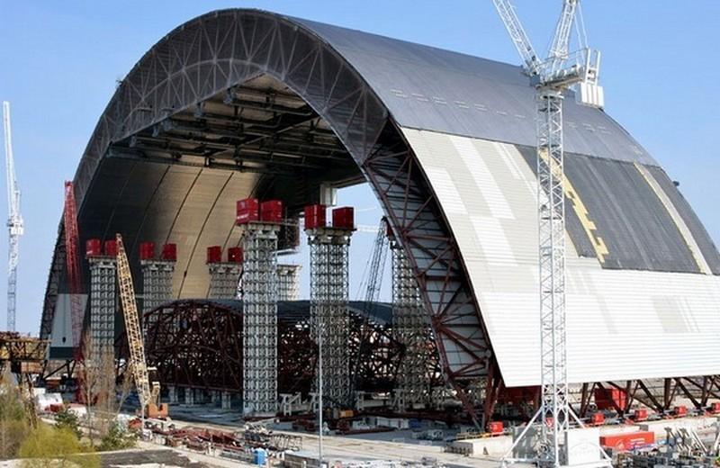 Началось: в Чернобыле Арку в 36.тыс.тонн надвигают на саркофаг