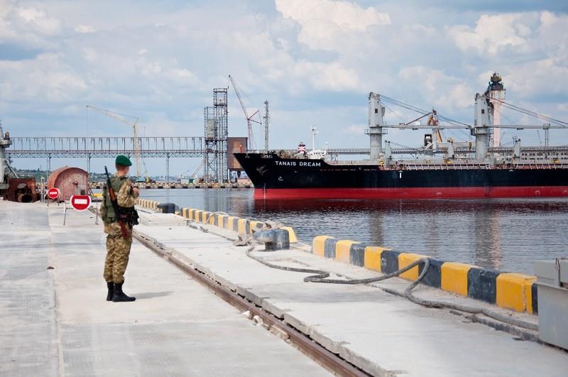 За Севастополь ответит. В порту Николаева задержали египетского моряка