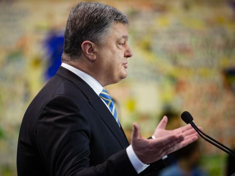 Кандидаты в президенты и нардепы требуют, чтобы Порошенко сказал правду о своем бизнесе и злоупотреблениях властью