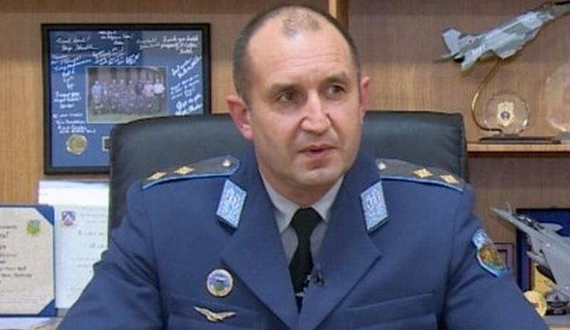 На выборах президента Болгарии лидирует социалист Румен Радев – экзит-полы