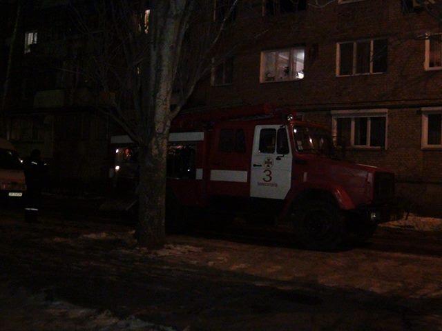 В Николаеве спасателям пришлось уговаривать мужчину покинуть место пожара