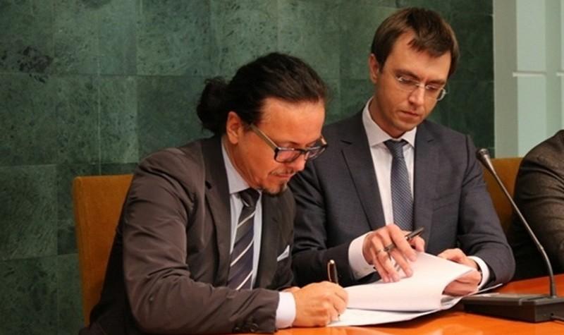 Кто-то будет новый — или министр, или глава Укрзализныци, — Омелян