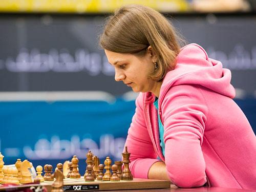 Украинка досрочно стала чемпионкой мира по быстрым шахматам