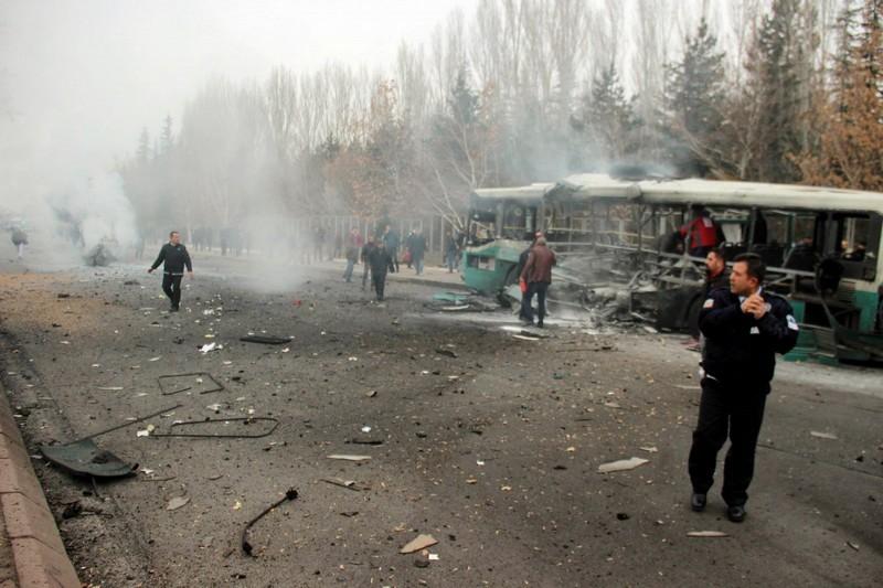 В Турции взорвали автобус с военными: 13 человек погибли, ещё 48 получили ранения