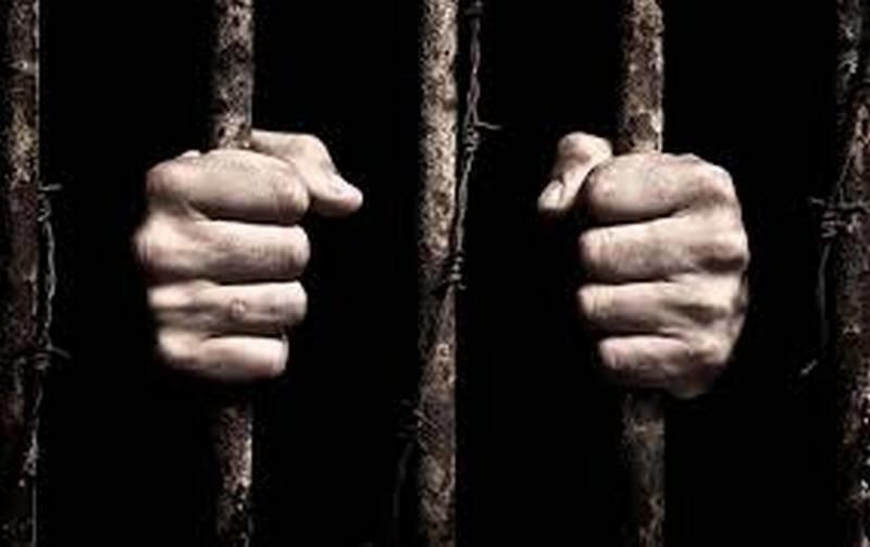 Британия освободит 4 тыс. заключенных, чтобы сдержать распространение коронавируса