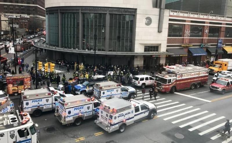 В Нью-Йорке сошел с рельсов пассажирский поезд – десятки пострадавших
