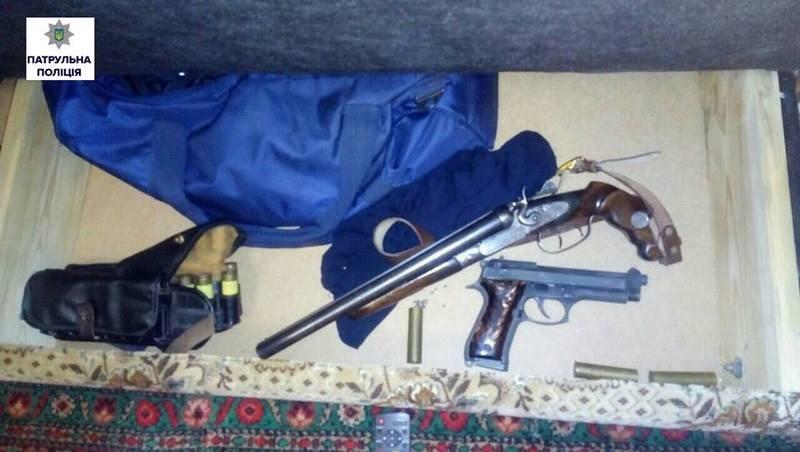 Семейный дебошир в Николаеве начал с ссоры с женой и падчерицей, а в итоге лишился оружия