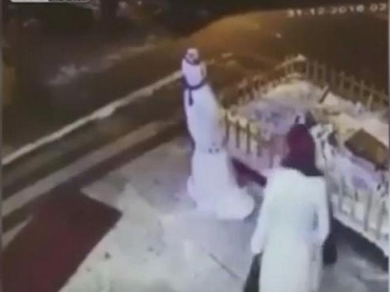 Мгновенная карма: женщина, разрушившая снеговика, пострадала сама