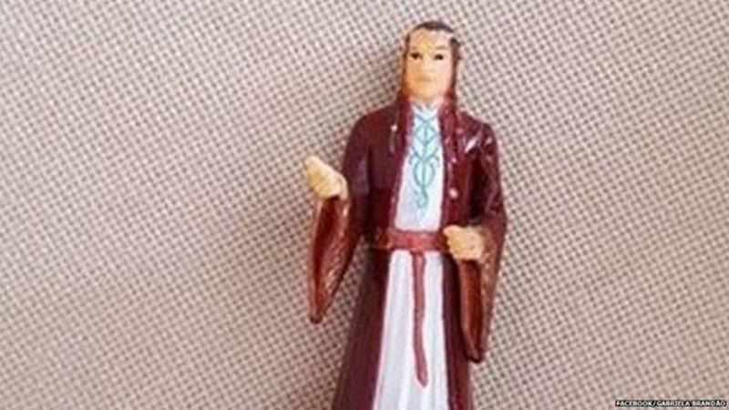 В Бразилии бабушка много лет молилась фигурке эльфа из «Властелина колец»