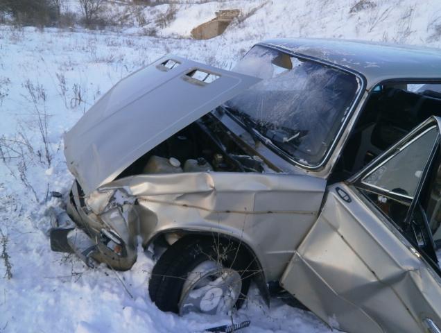 В такую погоду – пьяным за руль? В Николаевском районе «шестерку» выбросило с трассы