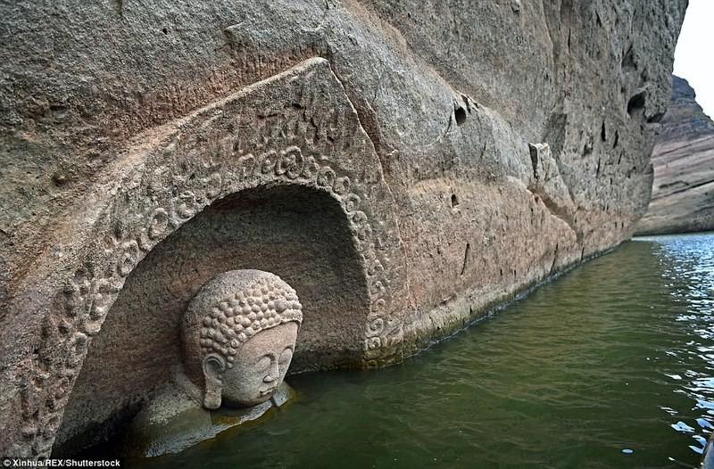 Тайна скрытого Будды: в Китае обнаружилась давно утерянная каменная статуя божества