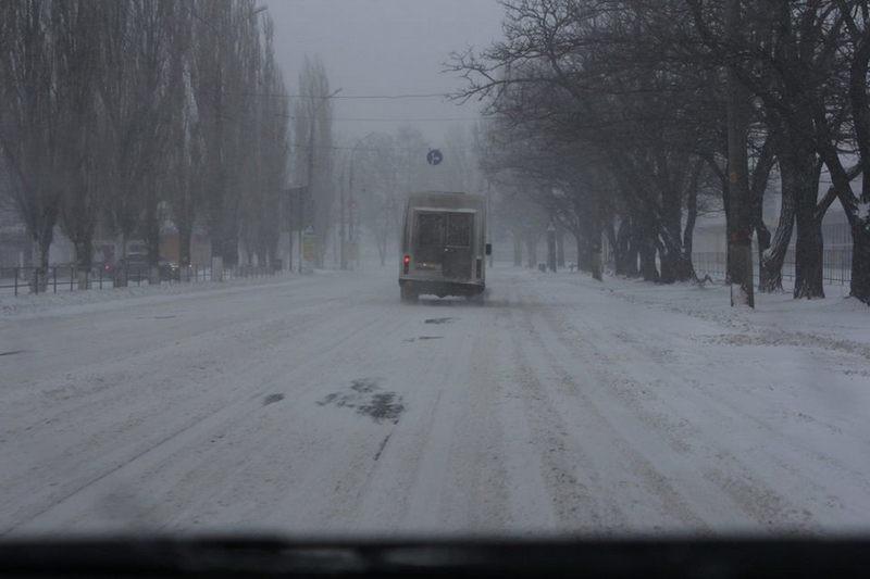 Из-за сильной метели с 12.00 полностью закрыта трасса Николаев-Одесса