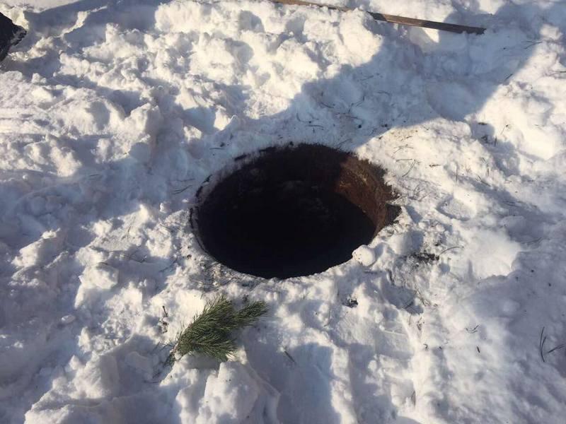 Кто виноват в том, что 11-летний ребенок в Николаеве упал в открытый канализационный колодец, разберется полиция