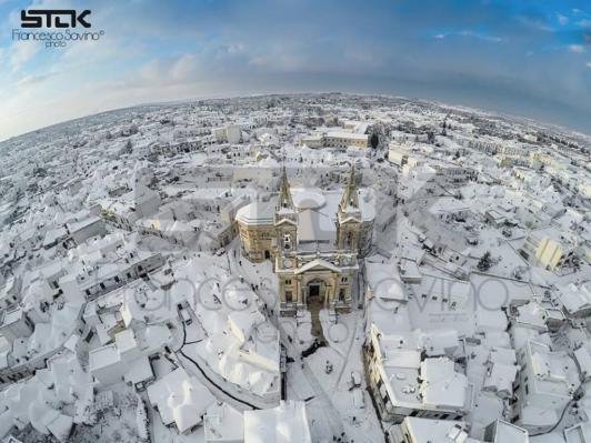 Николаевцы, расслабьтесь. Вот в Италии действительно выпал снег