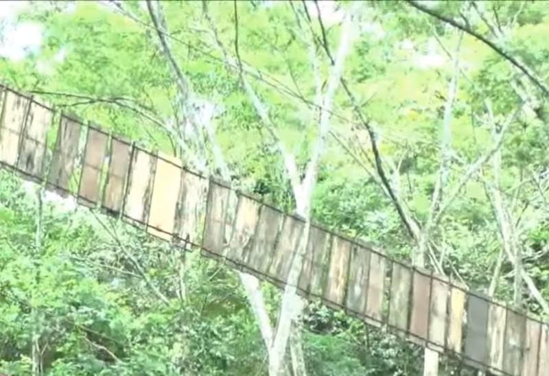 80 метров над пропастью. В Колумбии оборвался подвесной мост, 11 погибших, много раненых