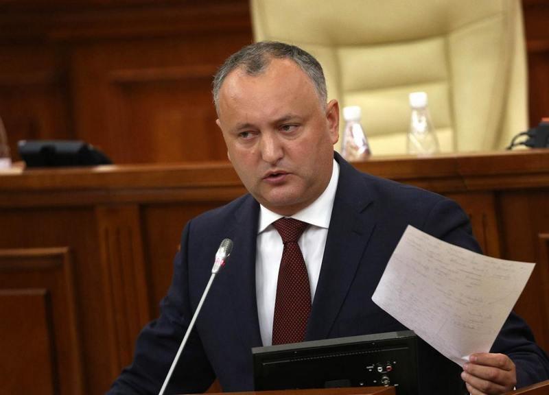 Президента Молдовы Додона в пятый раз отстранили от должности