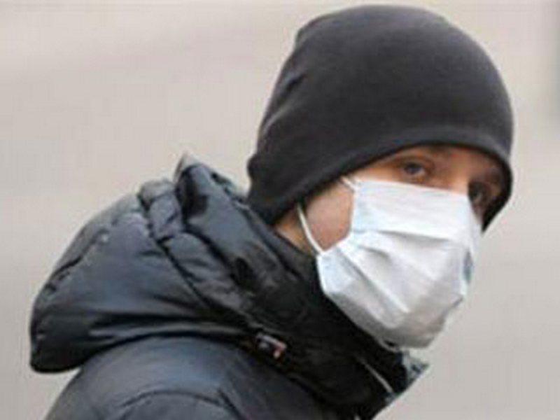 В Николаеве преступник в медицинской маске с пистолетом ограбил кредитное учреждение
