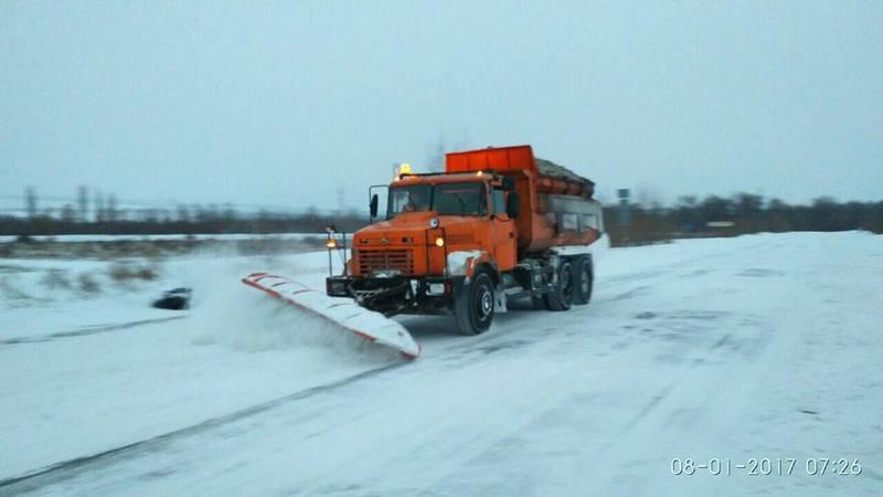 В Ужгороде военные помогут коммунальщикам с уборкой снега