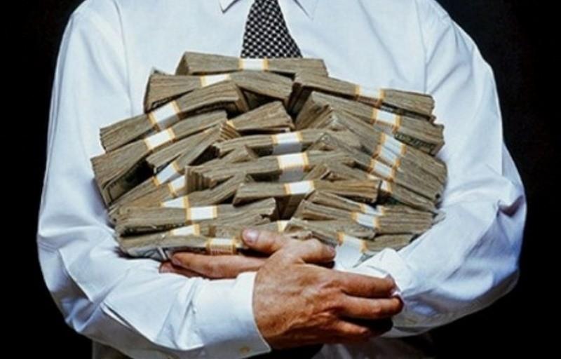 В каких банках хранят деньги украинские чиновники: Приватбанк, МИБ, Ощадбанк, Сбербанк (ИНФОГРАФИКА)