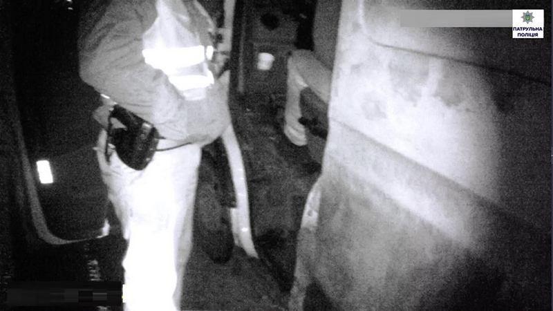 В Николаеве патрульные остановили «кайфонувшего» водителя, который был лишен права управления и находился под домашним арестом