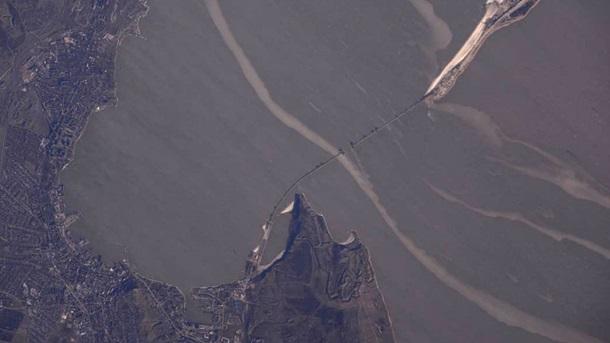 Керченский мост сфотографировали из космоса