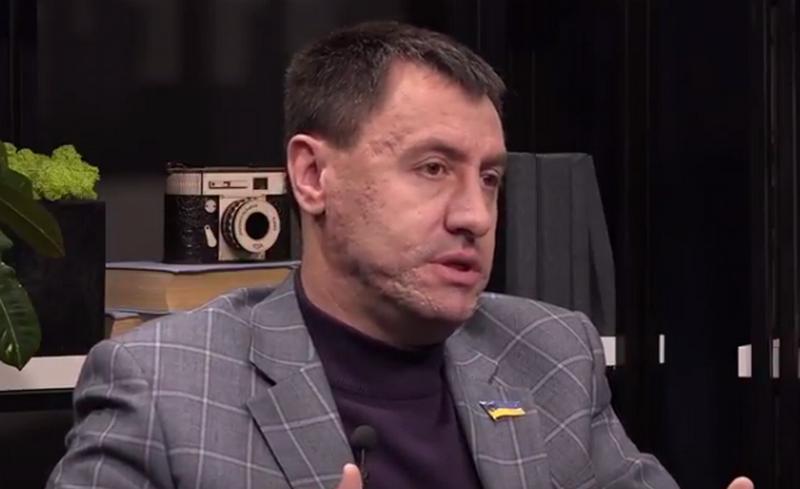 Ентин призвал депутатов горсовета выделить из бюджета Николаева 2-3 миллиона на ремонт аэропорта