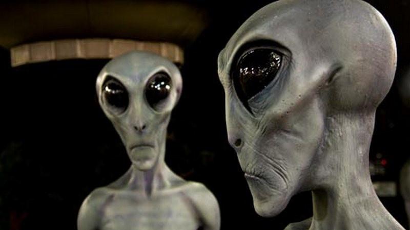 """""""Обгоним их пули"""", – 1,6 млн человек собираются """"штурмовать"""" Зону 51, чтобы увидеть пришельцев"""