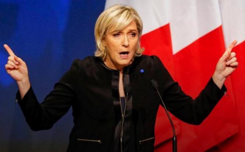 Мари Ле Пен отправили на психиатрическую экспертизу из-за публикации фото ИГИЛ