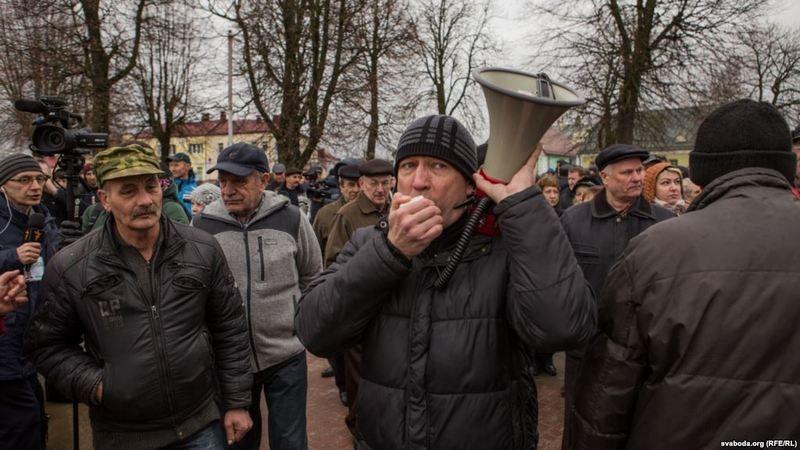 Беларусь: задержаны трое организаторов протестов против «налога на тунеядство»