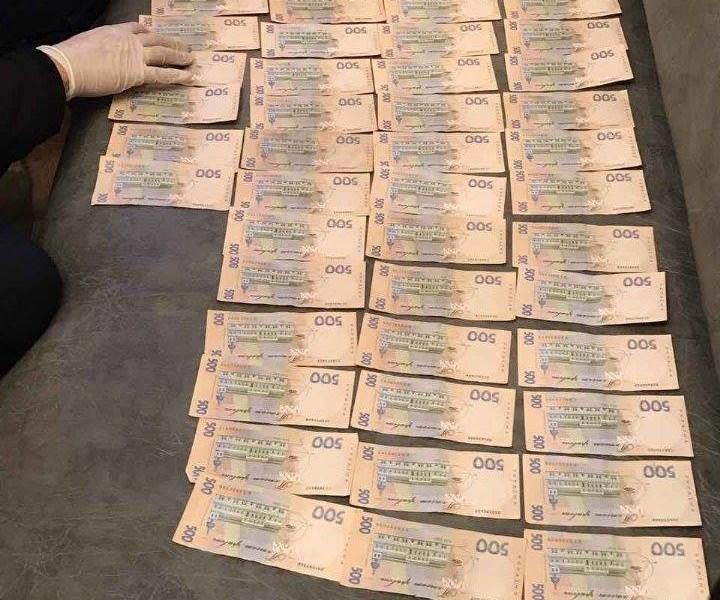 За справку о плохом состоянии здоровья арестованного начальник Львовского арестного дома хотел и получил 54 тыс.грн.
