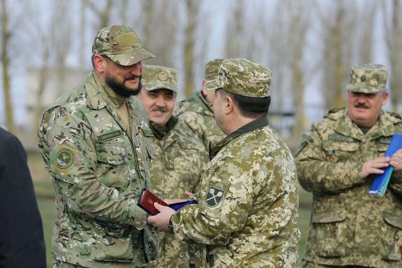 «За поддержку и заботу» — министр обороны Украины наградил губернатора Николаевщины «Знаком почета»