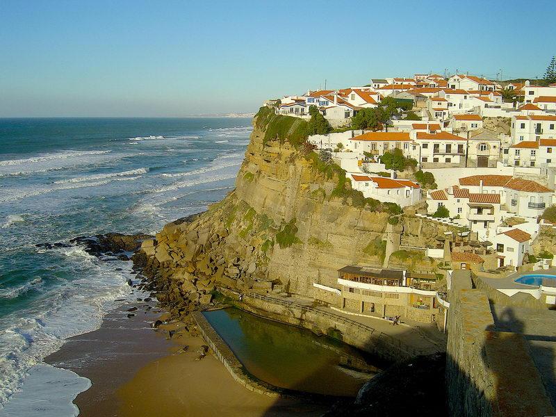 Португалия вводит комендантский час из-за COVID-19