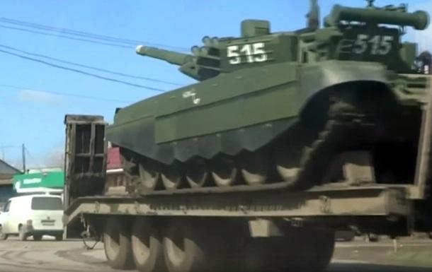 Россия стягивает военную технику на границу с КНДР