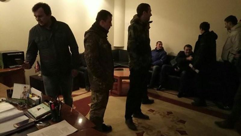 Активисты захватили Волынскую ОГА из-за силового разгона Торецкого редута блокады