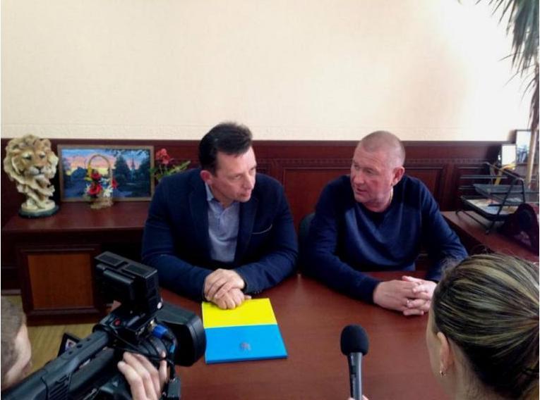 «Будем дружить домами»: Очаков и Гостомель подписали Соглашение о сотрудничестве