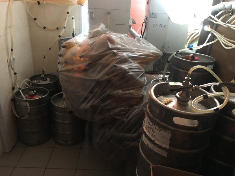 «Если б было море пива»: в Ингульском районе Николаева изъяли 800 л пенного напитка