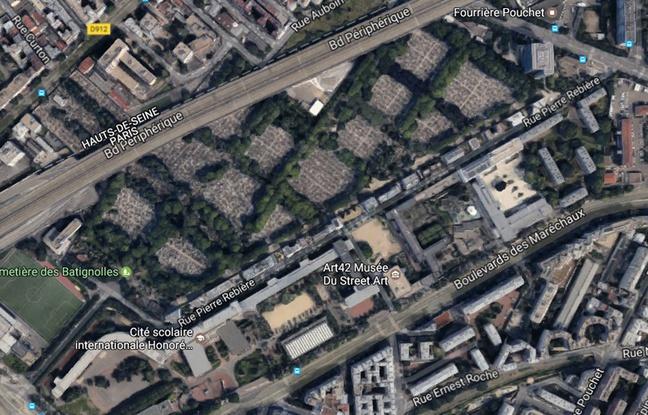 Не только наша проблема: кладбищенские вандалы орудуют и во Франции