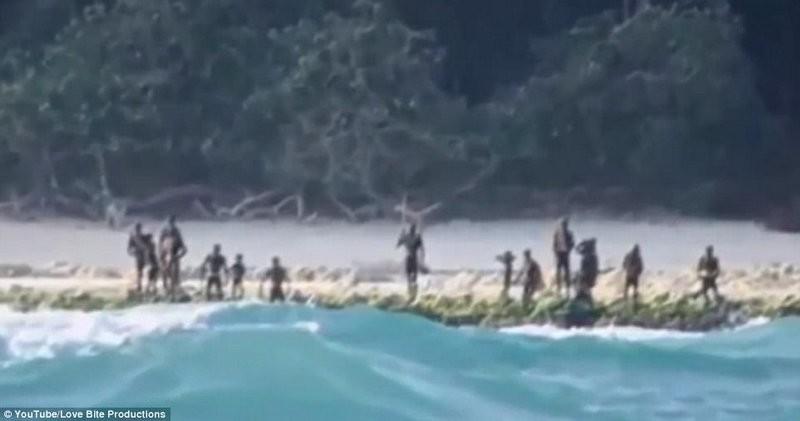 Последние отрезанные от цивилизации: в Индийском океане есть остров, на котором живет враждебное племя