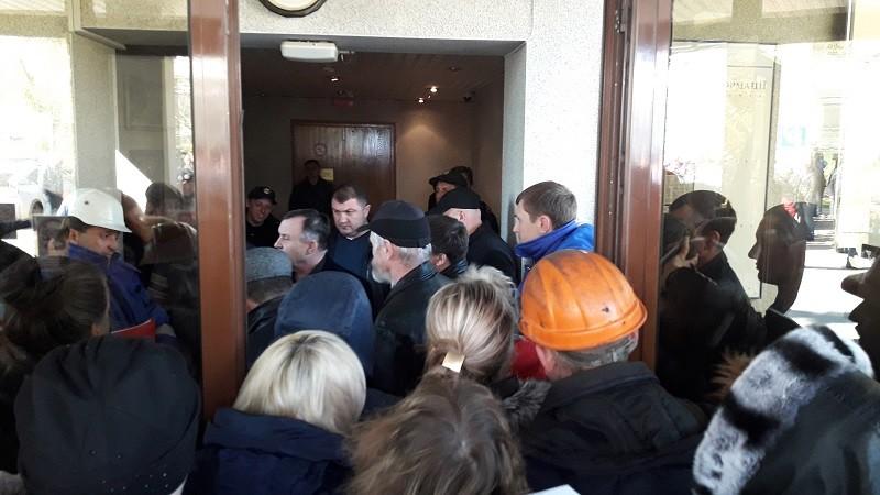 Скандал в Николаевском морском порту. АМПУ заблокировала работу портового оператора «МСК»