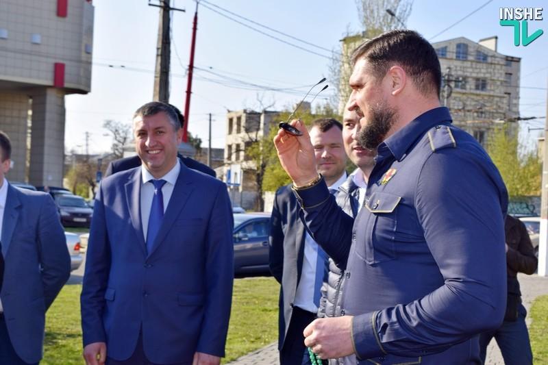 Сакуров день в Николаеве. «Посмотрите на руки мои!» — губернатор Николаевщины посадил свое дерево